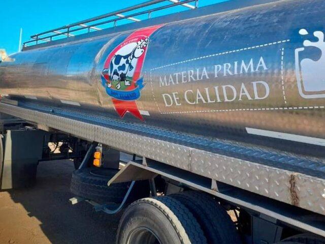Don Eugenio incorporó un acoplado cisterna para la logística lechera